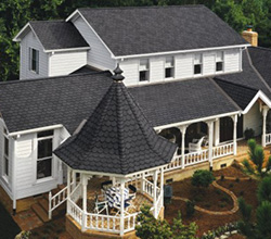 CertainTeed Carriage House Shingles in Black Pearl